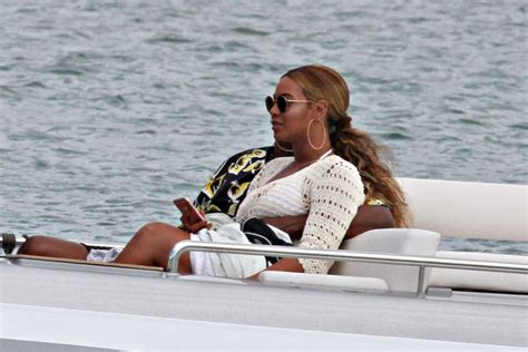 Beyonces On A Yacht beyonce on a yacht in sardinia
