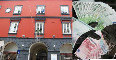 ufficio tributi comune di napoli blitz dei carabinieri arrestato per estorsione e usura un
