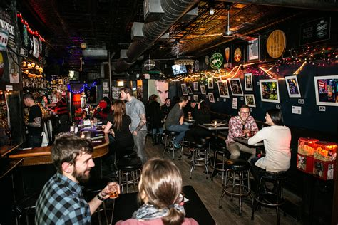 lincoln park chicago nightlife s in lincoln park is more than just a whiskey bar