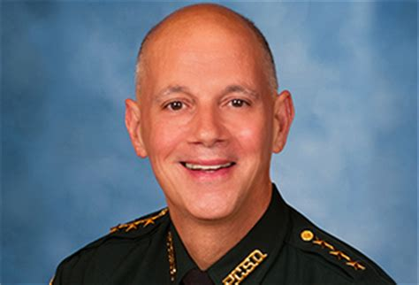 Pinellas County Sheriff Records Pinellas County Sheriff Bob Gualtieri Tb Reporter