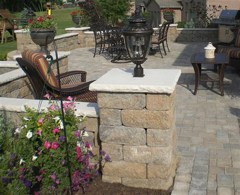 retaining wall accent lights backyard paver patio with accent lighting contemporary