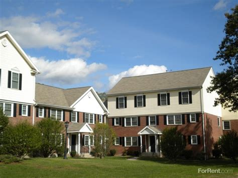 1 bedroom apartments for rent in east hartford ct easton place apartments 2 32 jaidee dr east hartford