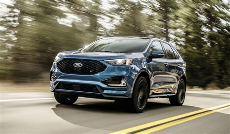 Ford Suv Lineup by Revving Up Ford Drives All New 2019 Edge St Into