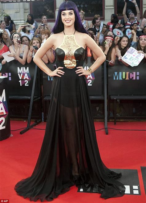 The Shiny Awards Tonight by Mmvas 2012 Selena Gomez Poses On Carpet At Muchmusic