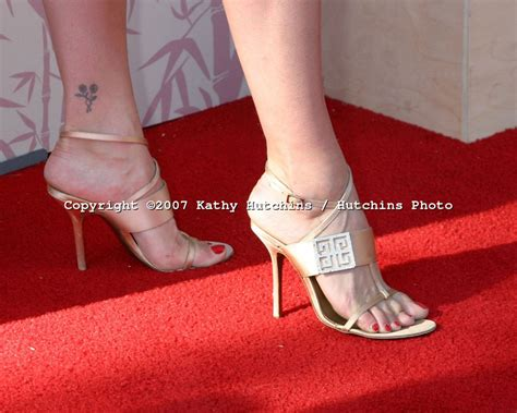 heather carolins feet wikifeet heather tom s feet