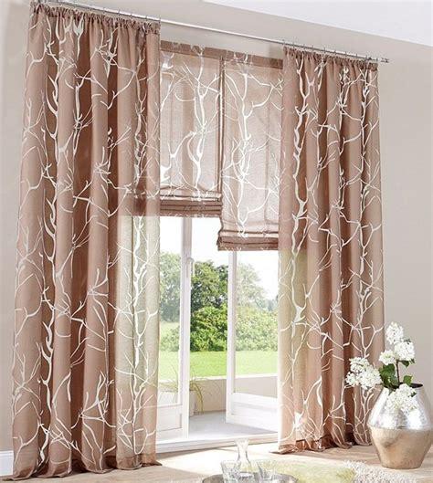 gardinen aufhängen schlafzimmer braun