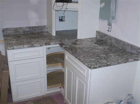 Milwaukee Granite Countertops by Granite Countertops For Kitchen Or Bathroom In Milwaukee
