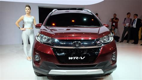 car price honda honda wrv vs toyota etios cross comparison of price