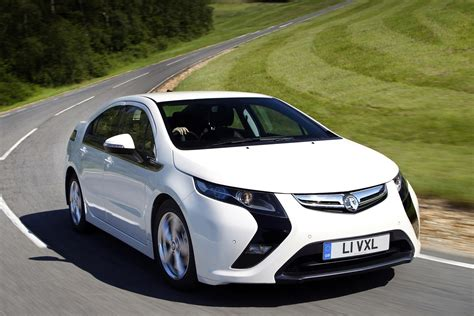 vauxhall car vauxhall ampera hatchback review 2012 2015 parkers