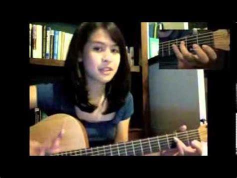 tutorial gitar maudy ayunda perahu kertas guitar tutorial maudy ayunda youtube