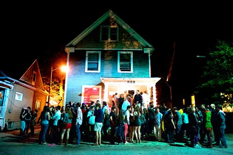house parties 11 types of people you see at parties