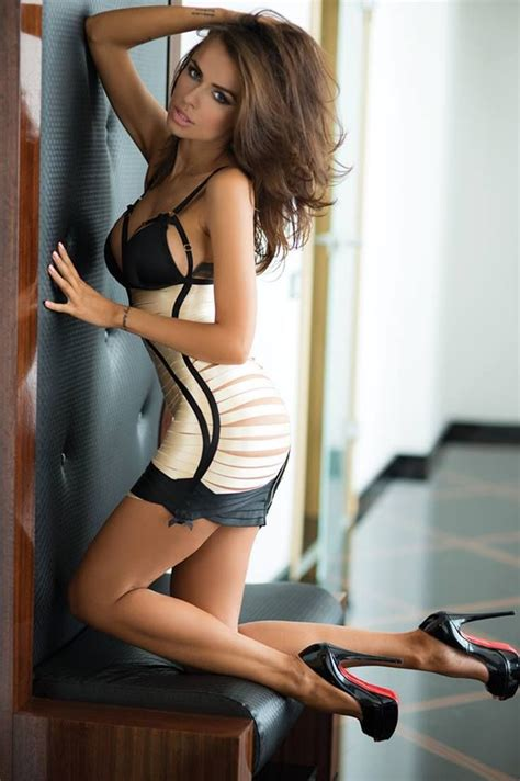 model mariyam heels pictures to pin on re hanna gorgeous lingerie model with great legs wearing towering