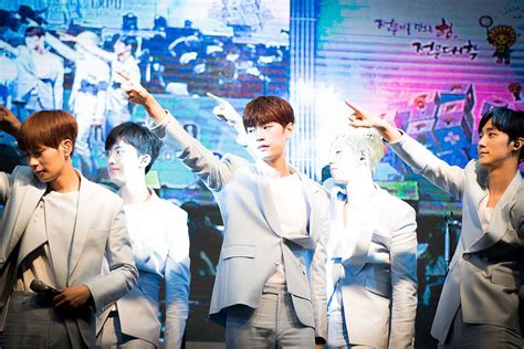 the band who are the members from knk knk band wikipedia