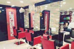 salon interior designing beauty parlour interior