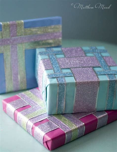 pretty gift wrap a link to a website that show you several ideas