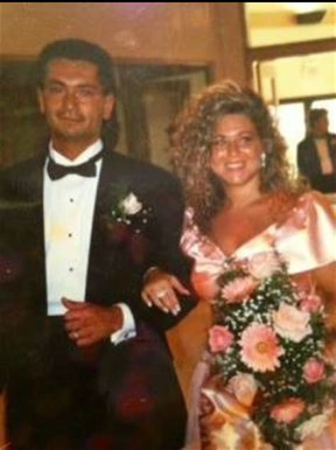is theresa caputo s mother alive theresa caputo wedding photos kim russo medium fraud