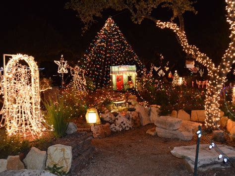 Top 10 Christmas Towns In Texas Tripstodiscover Com Wimberley Lights
