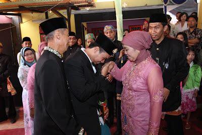 Topeng Tertawa Khas Bali T018 quot sewa busana betawi dot quot i ph 085211711318 atau