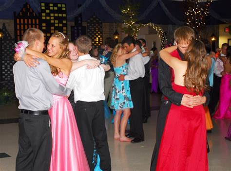 slow dance songs 2014 for prom high school prom dancing slow newhairstylesformen2014 com