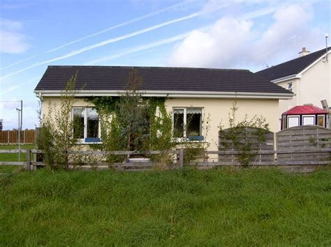 burren view coastal cottage in kinvara selfcatering travel