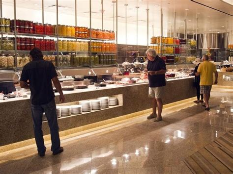 five of the best buffets in las vegas
