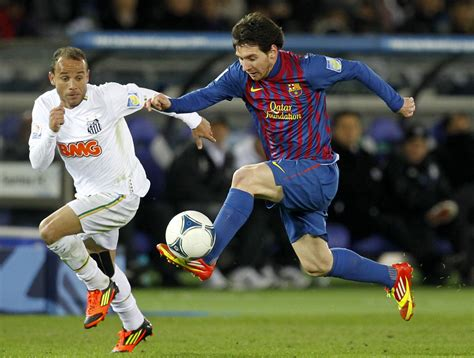 biography messi soccer player lionel messi playing soccer lionel messi playing soccer