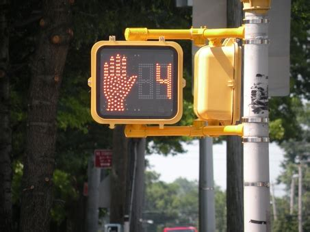 countdown timer with flashing light how timers at traffic lights cause accidents