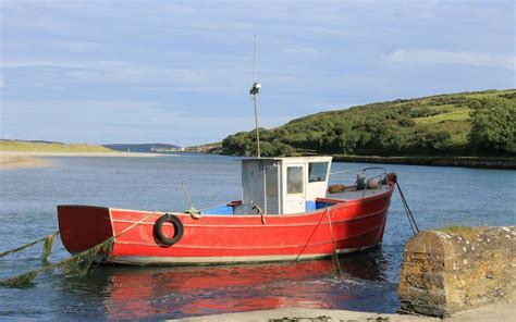 old fishing boats ireland fishing cottage in ireland related keywords fishing