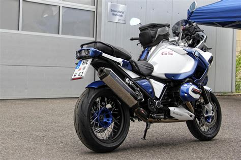Bmw R1200gs 2020 by Can You Spot The Bmw R1200gs Adventure In These Photos