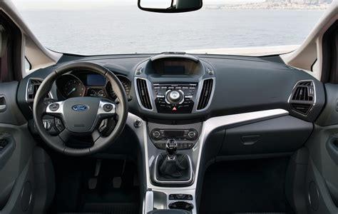 ford c max interni ford c max 1 0 125 cv 2012 pregi e difetti della