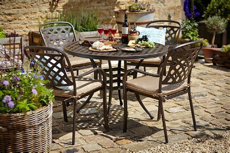 hartman patio furniture hartman berkeley 4 seat dining set stratford garden centre
