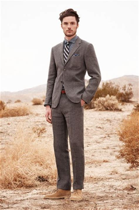 how to wear desert boots with a suit suitupp