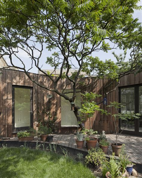 Mini Garden Inside The House Gallery Of Tree House 6a Architects 8