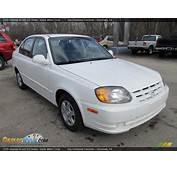 2005 Hyundai Accent GLS Sedan Noble White / Gray Photo 5