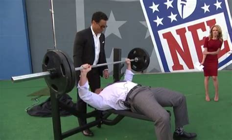 best bench press in nfl heath evans beasts out 37 bench press reps during nfl