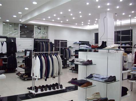arredamenti per negozi di abbigliamento 26 arredamenti per negozio di abbigliamento uomo gi 02