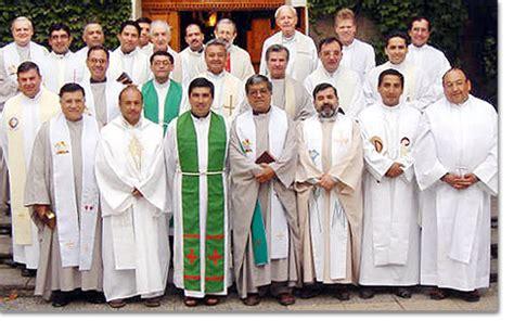 imagenes de sacerdotes orando amigos cat 243 licos ver tema oracion por los sacerdotes