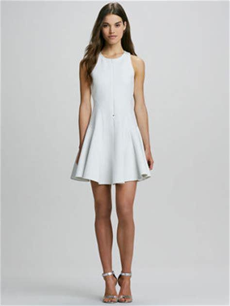 white dress gunda daras