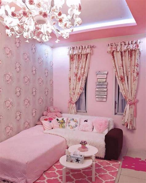 ruang tamu shabby chic minimalis  warna cat pink