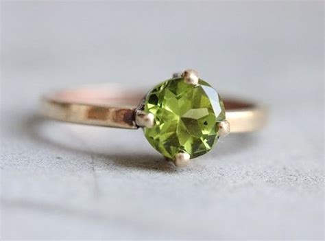 20 alternative gemstones for engagement rings