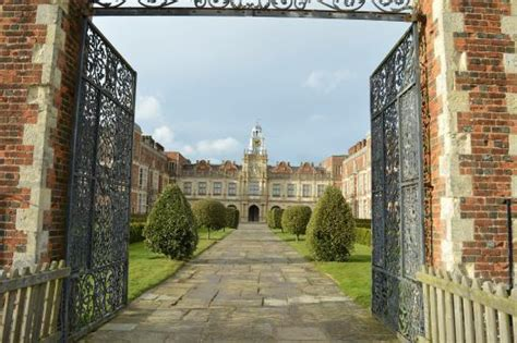hatfield house 301 moved permanently