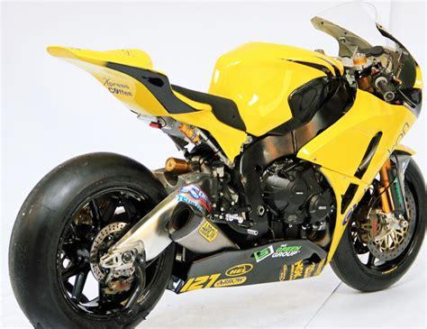 superbike honda honda cbr1000rr british superbike bsb race track
