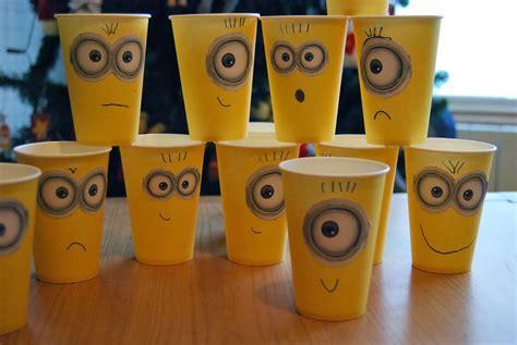 decorar vasos de plastico para cumpleaños decorar vasos como minions manualidades para cumplea 241 os