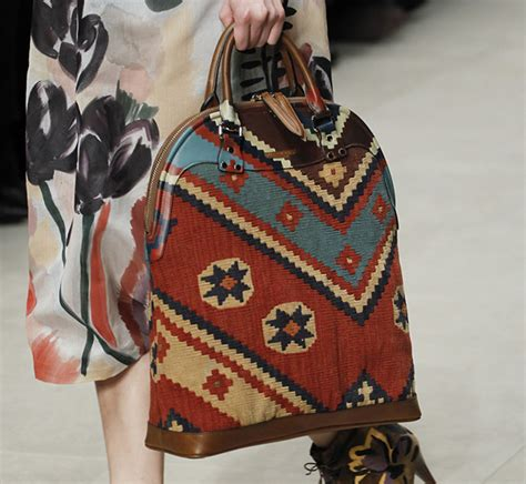 Burberry 2008 Handbags Runway Review by Burberry Fall 2014 Runway Bags 32 For Best Designer