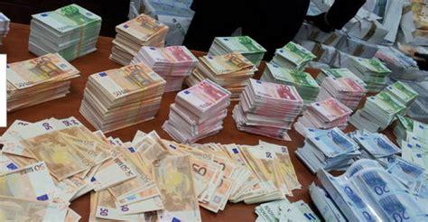 versamento contante in il fmi pressa per l abolizione contante i rischi e i