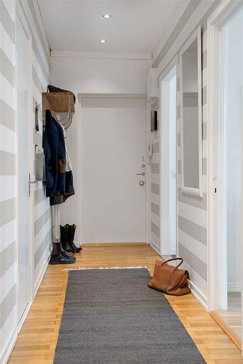 decorar recibidor pequeño un recibidor a rayas estilo nordico pinterest