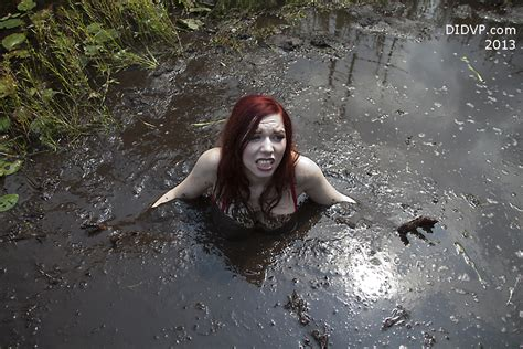 Quicksand Girl Sinking | girls sinking in quicksand clay hot girls wallpaper