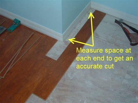 How To Cut Floor Tiles Around Corners by Cutting Laminate Around Corners Diy Tips
