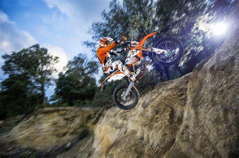 Ktm Motorräder Enduro by Ktm Exc Enduro 2015 Action Motorrad Fotos Motorrad Bilder