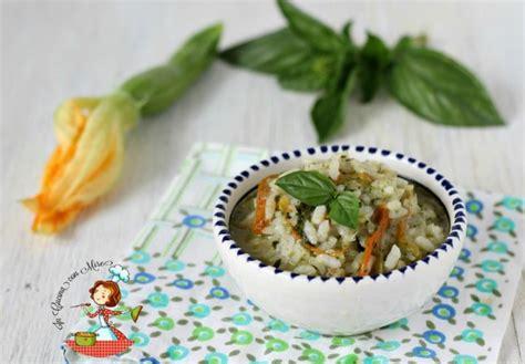 risotto zucchine e fiori di zucca risotto con fiori di zucca e zucchine primo piatto